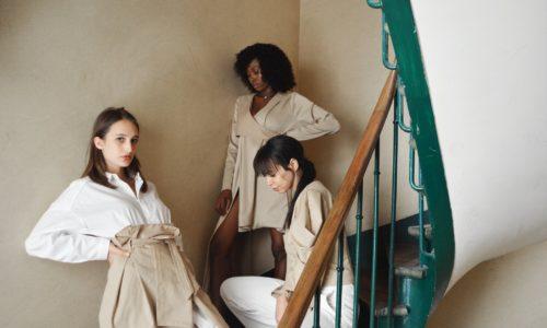 Le dressing minimaliste de Louise Marcaud