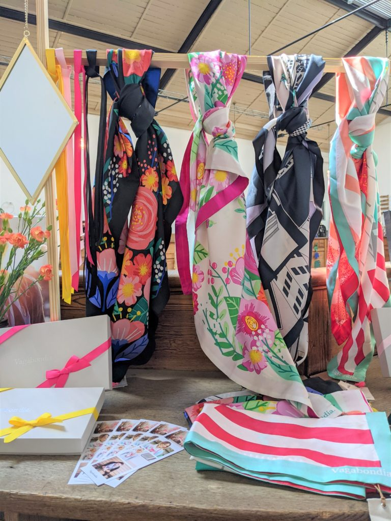 Bande de créateurs Juin 2021 Vagabondia foulards