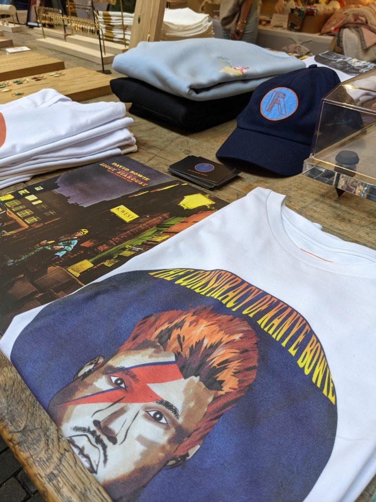 Bande de créateurs Juin 2021 Face A T-Shirt
